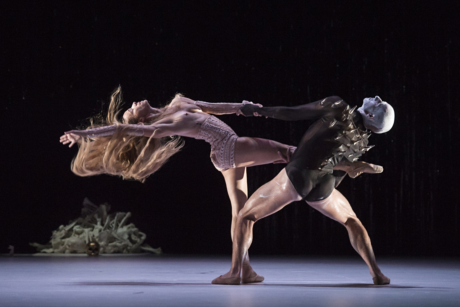 True and False Unicorn Jeroen Verbruggen Les Ballets de Monte-Carlo